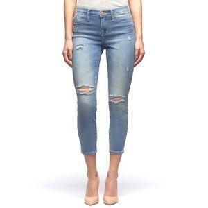 NEW Rock & Republic crop destroyed jeans